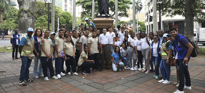 Semilleros de Cultura Ciudadana para la Paz conocen la ciudad y su identidad