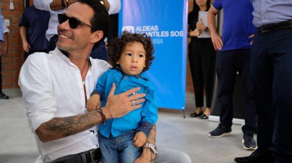 Marc Anthony inauguró centro de desarrollo familiar en Cali