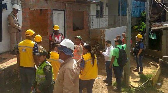 Alcaldía de Cali realizó jornada de restitución de viviendas ubicadas en terrenos de alto riesgo