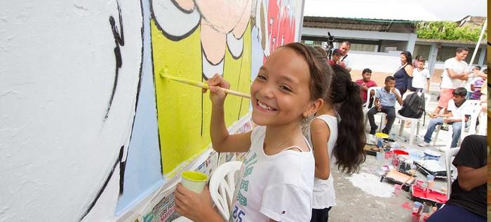 Estudiantes pintaron mural