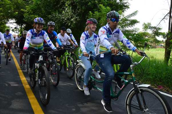 Con ciclopaseo gobernadora Dilian Francisca