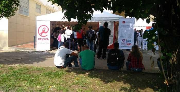 Con jornadas de sensibilización y la toma de más de 500 pruebas se conmemoró el Día Mundial del Sida en el HUV