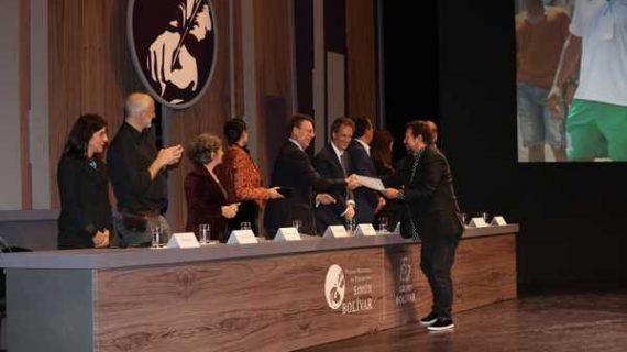 Doble galardón para Telepacífico en los Premios Simón Bolívar 2018