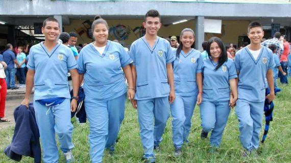Estudiantes becados por el departamento en el INTEP se reúnen con la gobernadora Dilian Francisca Toro