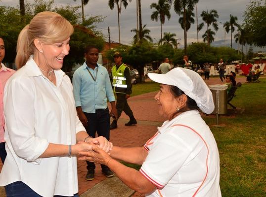 Gobernadora reafirmó su trabajo en premio