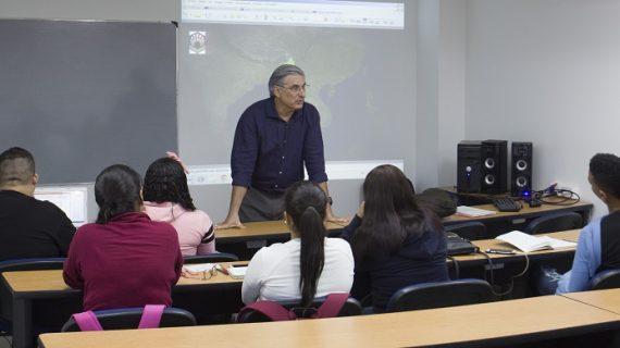 Profesor español dicta cátedra internacional en la U. Santiago de Cali