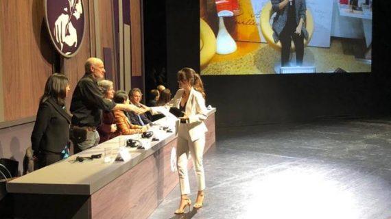 Periodista caleña Lina Uribe recibe Premio Nacional de Periodismo Simón Bolívar