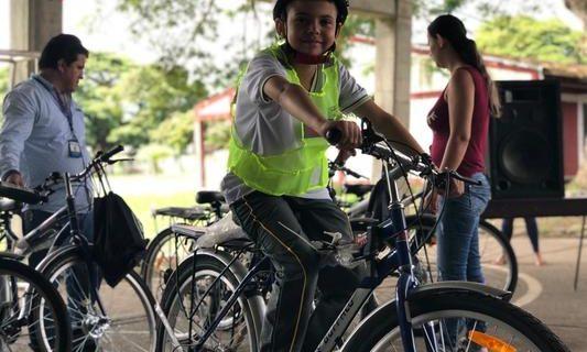 Continúan entregando bicicletas a estudiantes del sector rural