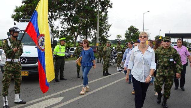Siete mil unidades de Ejército, Policía y agentes de Tránsito cuidarán las vías del Valle este fin de año