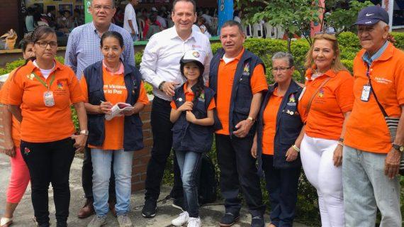 Director de la Unidad de Víctimas participó en grado de bachillerato de 121 personas mayores