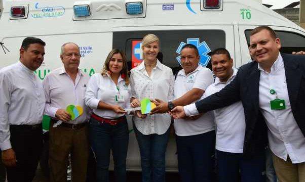 Entregan ambulancias medicalizadas al Isaías Duarte Cancino y San Juan de Dios de Cartago