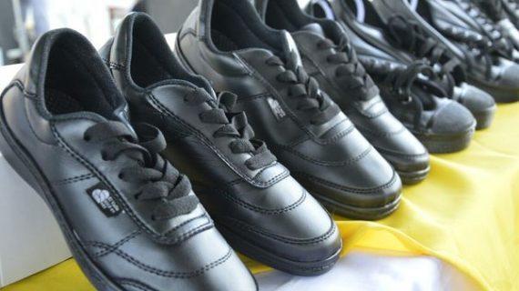 También este año, la Gobernación entregará útiles y zapatos para estudiantes de la región