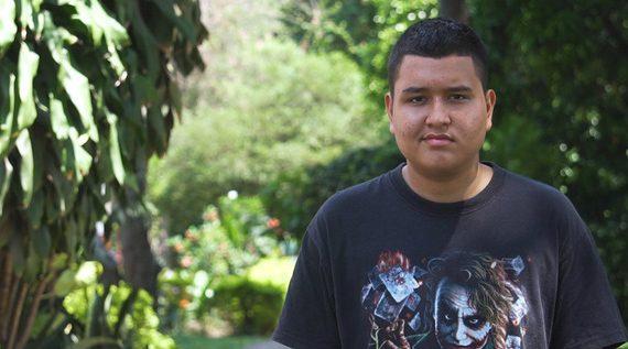 Por buen estudiante, Diego Alejandro Marín se prepara para cambiar la historia de su familia