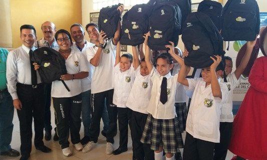 En jornada maratónica se entregaron kits escolares en municipios del Valle