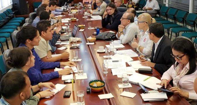Gobernadora y voceros estudiantiles llegaron a acuerdos para reiniciar clases en Univalle