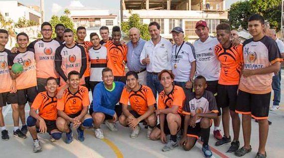 Urbanización Seguros Niza estrena parque deportivo y recreativo