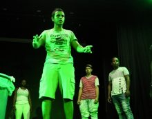 Jóvenes de comunas vulnerables debutarán como actores en el teatro Jorge Isaacs