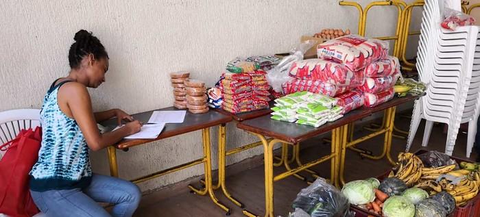 Alimentando Sonrisas continuará con la entrega de mercados a los comedores