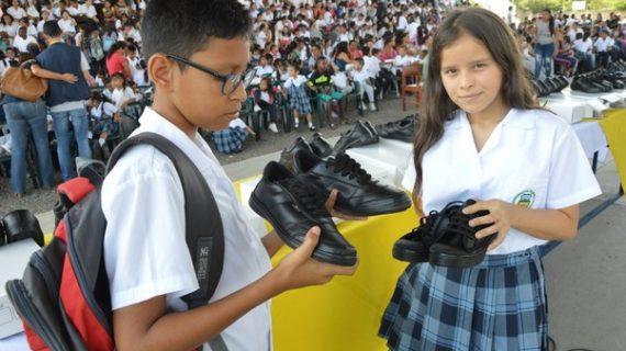 Gobernadora del Valle entregará zapatos en la Comuna 10 de Cali