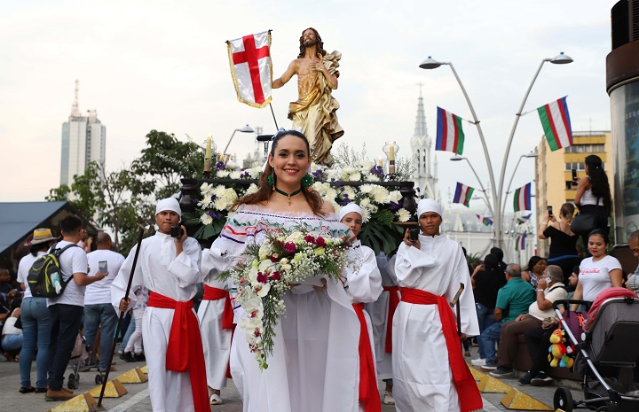 Desfile de artes integradas recorrió el centro histórico de Cali