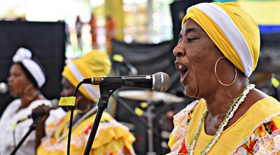 El Petronio abona las raíces de la música del Pacífico