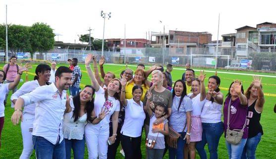 Gobernación ejecuta obras para promover el deporte en las comunas 6 y 12 de Cali