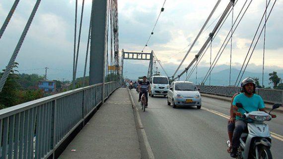 Gobernadora anuncia solución a construcción de nuevo puente de Juanchito