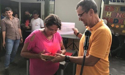 Una madre caleña exhabitante de calle que por fin está con su familia