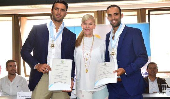 Juan Sebastián Cabal y Robert Farah, campeones en Wimbledon, recibieron condecoración de la Gobernación del Valle