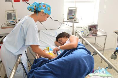Se garantizan derechos a la salud y educación a niños de padres venezolanos
