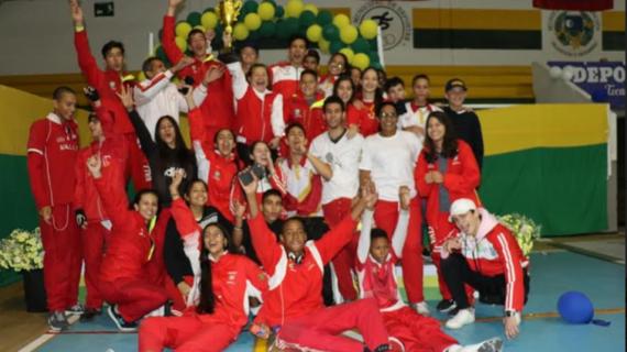 Federación Colombiana de Esgrima entrega implementos a Mejores Clubes y Mejor Liga