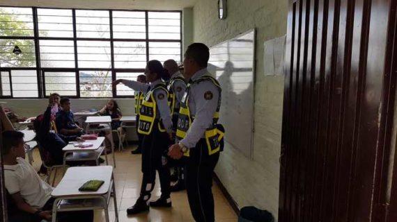 Agentes de movilidad continúan jornadas de educación vial en los 21 municipio del Valle