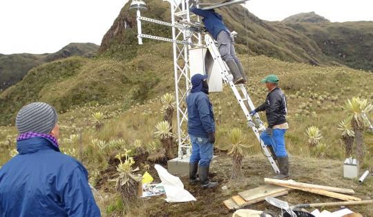 CVC instaló la estación hidroclimatológica más alta del Valle del Cauca
