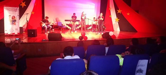 Habilidades artísticas e idiomas extranjeros se fusionaron en el Talent Show