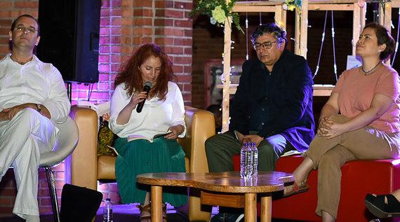 El Centro Cultural se llenó de poesía para masajear el alma