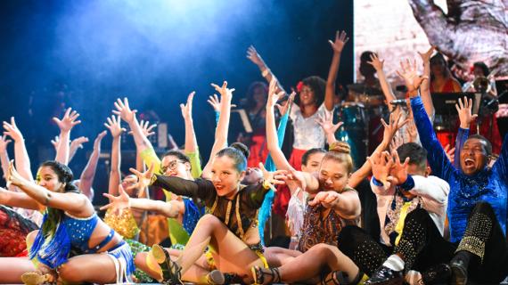 El cuento completo de la Salsa con Son Mujeres e Incolballet