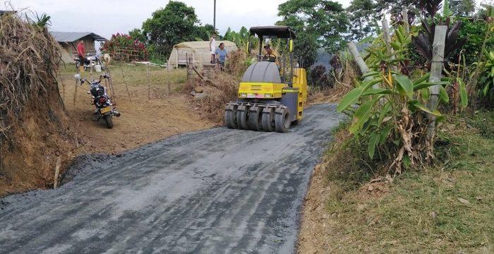 Entregan la vía rural Santa Rosa – Chafalote – Puente Rojo, en Guacarí