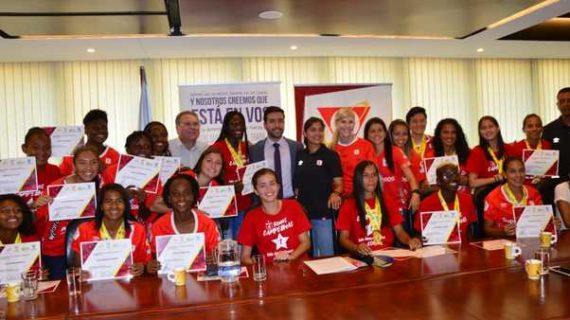 Homenaje a las campeonas de la Liga Femenina
