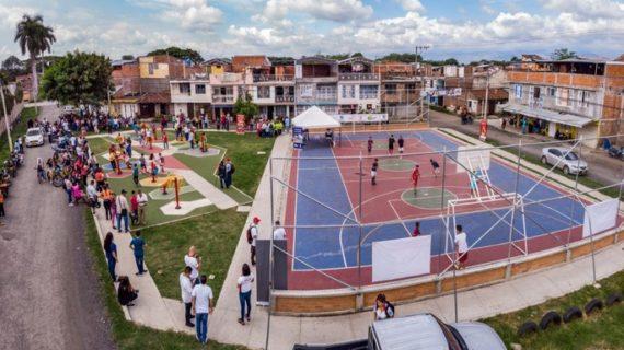 Cancha múltiple y gimnasio biosaludable para el barrio Las Nieves en Tuluá