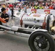 Cali se vistió de gala en el Desfile de Autos Clásicos y Antiguos