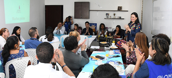 Venezolanos, prioridad en el empalme de Atención a la Población Migrante