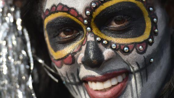 El Carnaval del Cali Viejo un espectáculo con colorido, arte, danza y folclor