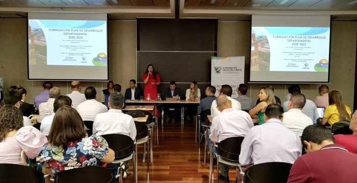 Alcaldes del Valle ya cuentan con herramientas para formular sus planes de desarrollo en sus territorios