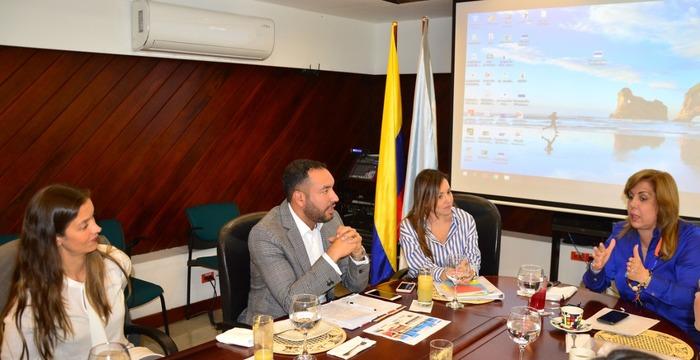 Gobernación del Valle y Viceministerio de Comercio Exterior concretaron acciones para favorecer a empresarios que quieren exportar