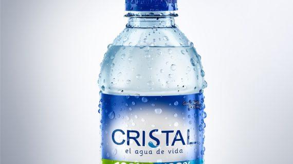 Agua cristal presenta su nueva botella Ecopack, hecha con material 100% reciclado y 100% reciclable