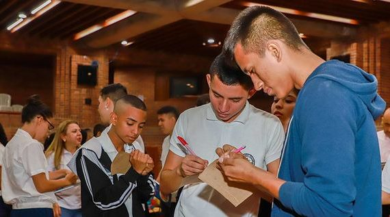 Estudiantes participan en formulación del Plan de Desarrollo