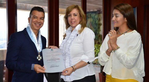 Gobernación del Valle condecoró al Bailarín y coreógrafo caleño Sergio Trujillo por contribuir al posicionamiento del departamento