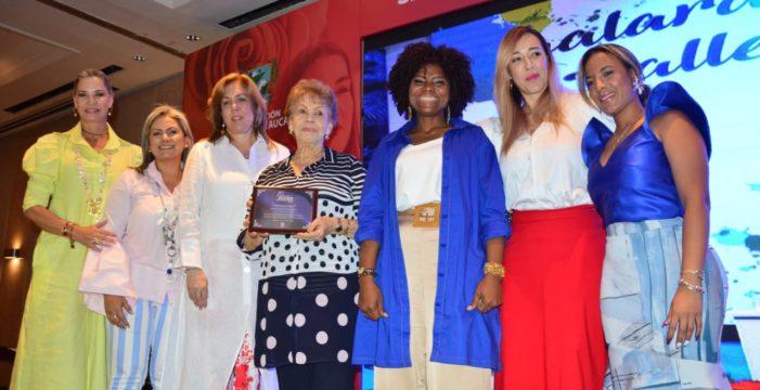 10 lideresas del Valle del Cauca recibieron el Galardón de la Mujer Vallecaucana