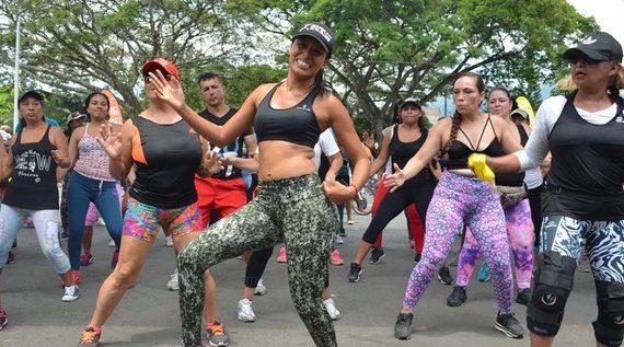 Con maratón de aerorrumba, la Ciclovida conmemora el Día de la Mujer