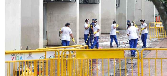 Jornadas de limpieza y desinfección alrededor del CAM